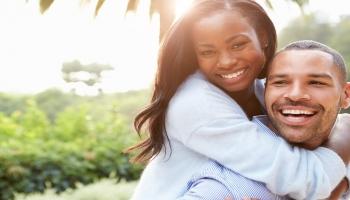 Les bienfaits du rire : santé, bien-être et social